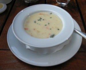 Рыбный суп из консервы горбуши с плавленым сырком