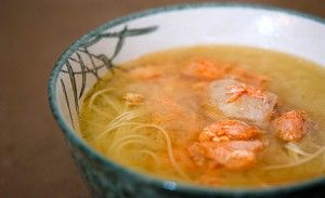 рыбный суп из головы лосося