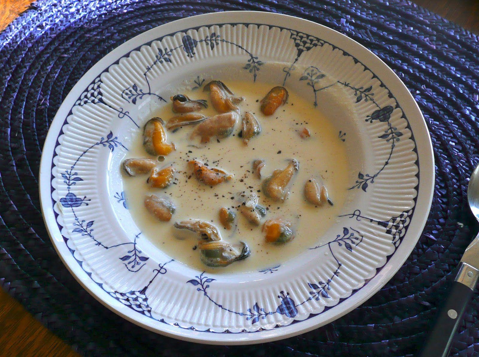 Сливочный суп с мидиями и креветками  рецепт