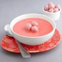 нежный клубничный суп