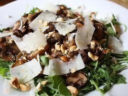 Салат с грибами.