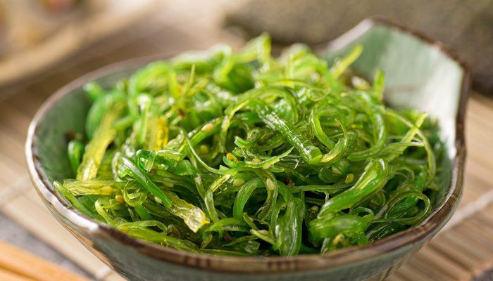 Вкуснейшие рецепты салатов из морской капусты