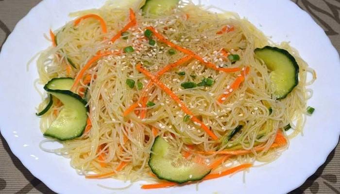 как приготовить салат фунчоза в домашних условиях