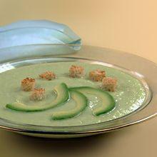 Холодный суп-пюре из авокадо и лайма