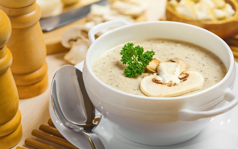 Блендер - отличный помощник в приготовлении супа-пюре