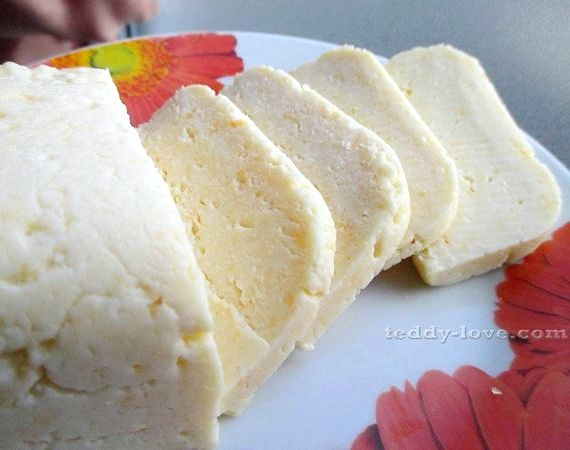 Как сделать домашний сыр из творога и молока простой рецепт