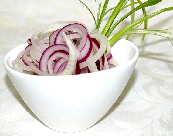 Как замариновать лук к шашлыку рецепт с фото пошагово