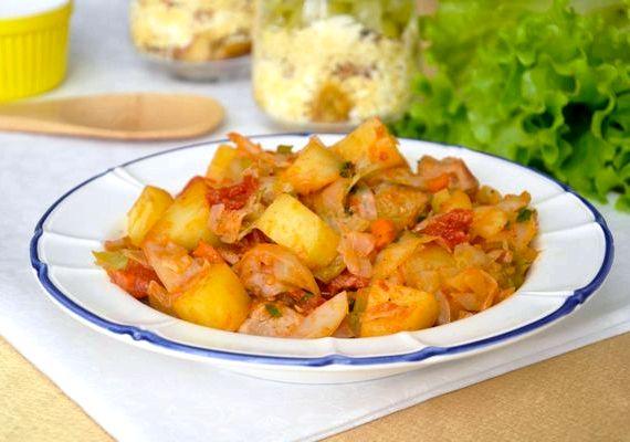 Капуста тушеная с мясом рецепт с фото с картошкой