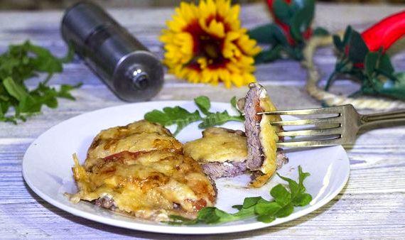 Мясо с помидорами и сыром в духовке рецепт с фото пошагово