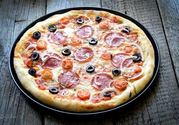 Пицца рецепт в домашних условиях с колбасой и сыром