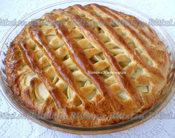 Пирог с яблоками из дрожжевого теста рецепт с фото пошагово в духовке
