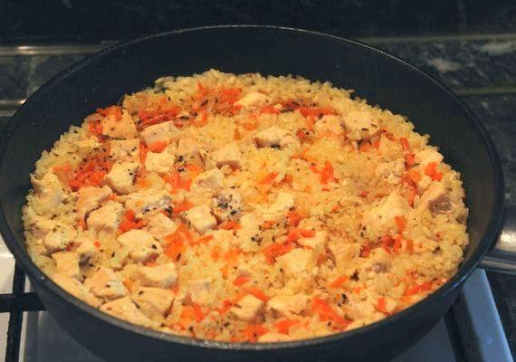 плов с курицей рецепт на сковороде с фото