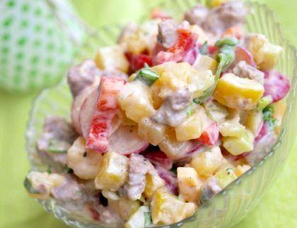 Простой рецепт салата на скорую руку Чеснок пропустим через