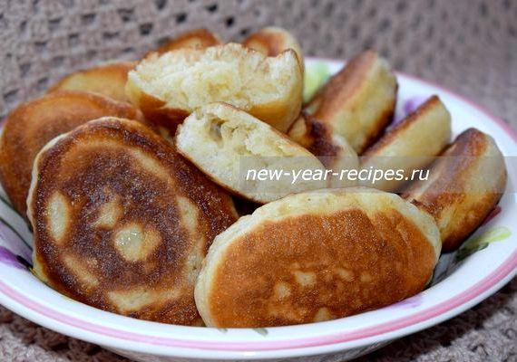 Пышные оладьи на горячем кефире лучший рецепт с фото пошагово