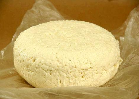 Рецепт адыгейского сыра в домашних условиях из молока более пористой, этот компонент способствует