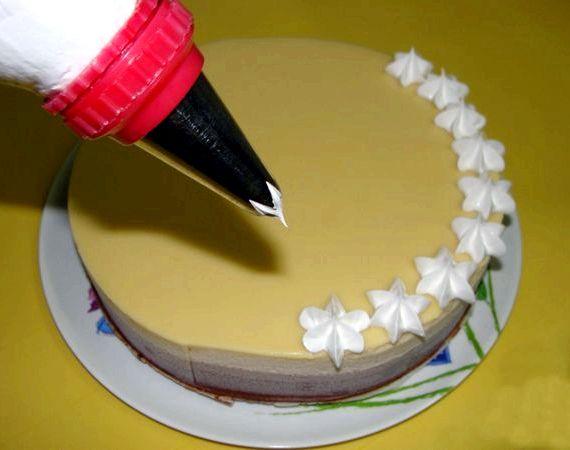 Рецепт белкового заварного крема для украшения торта
