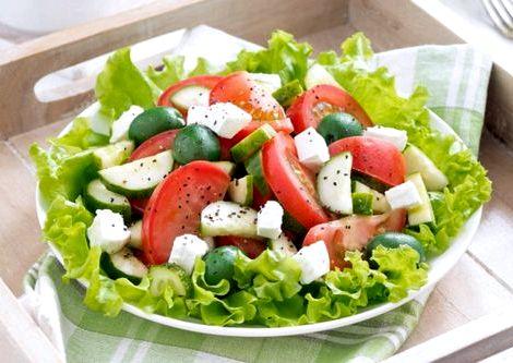 Рецепт салата с огурцами и помидорами красный отрезвляет мозг