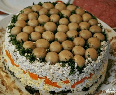 Салат грибная поляна с шампиньонами рецепт Ее следует очистить от