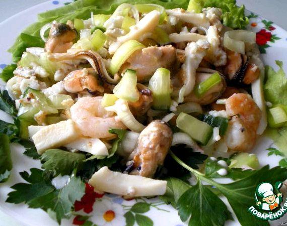 Салаты из коктеля морепродуктов