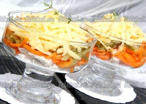 Салат лисичка с корейской морковкой рецепт с фото очень вкусный Слоеная закуска имеет яркий