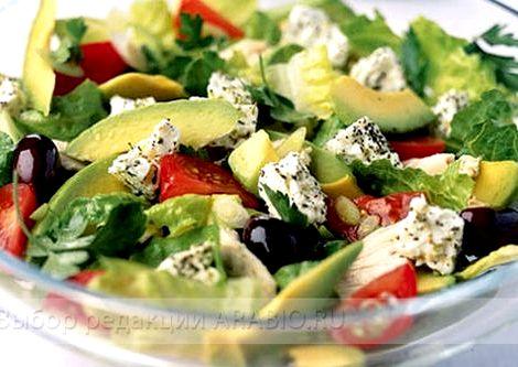 Салат с авокадо рецепт с фото очень вкусный листья, рукколу, остальные ингредиенты, полить