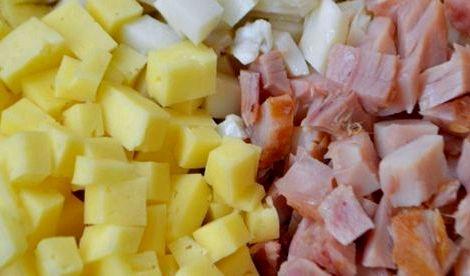 Салат с копченым окорочком фото пошаговый рецепт Для такого салата нужно аккуратно