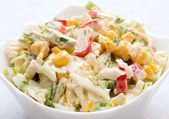 Салат с крабовыми палочками и капустой и кукурузой рецепт с фото