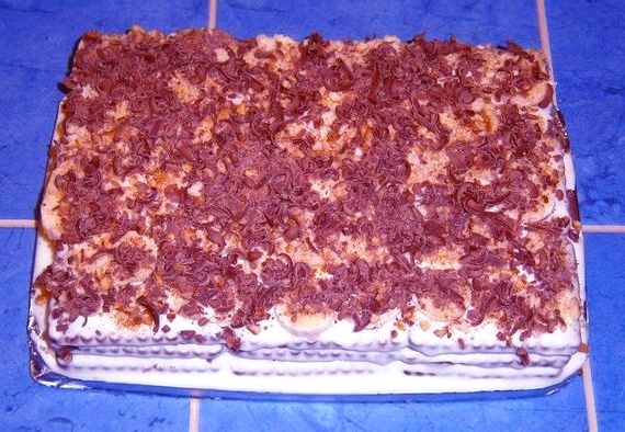 Торт из печенья с бананом на скорую руку рецепт с фото