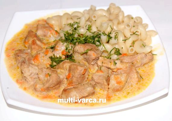 Вкусный гуляш из свинины с подливкой рецепт с фото