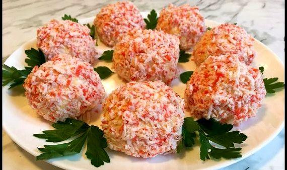 Закуска рафаэлло из крабовых палочек рецепт с фото