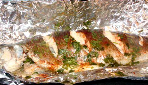 Запечь форель в духовке в фольге рецепт Мелким кубиком нарежьте сливочное